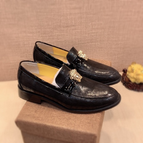 Versace Leather Shoes For Men #826946