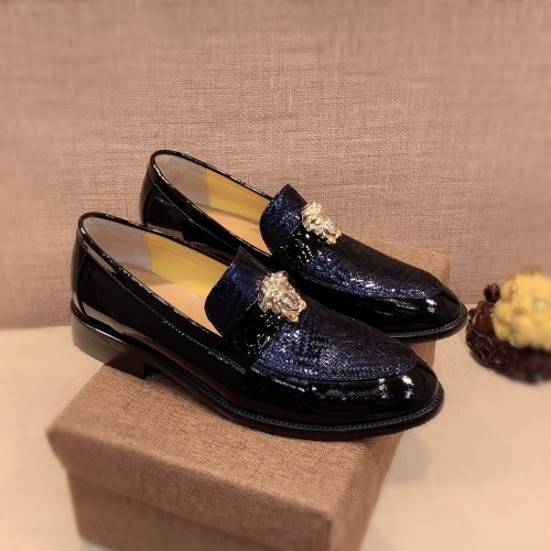 Versace Leather Shoes For Men #826954