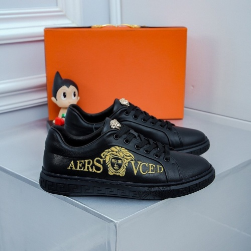 Versace Casual Shoes For Men #827065
