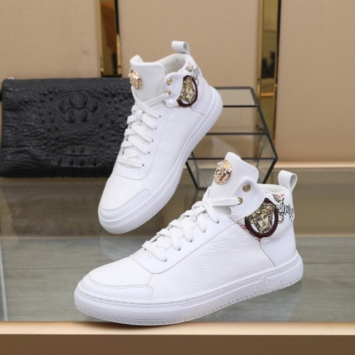 Versace High Tops Shoes For Men #827097