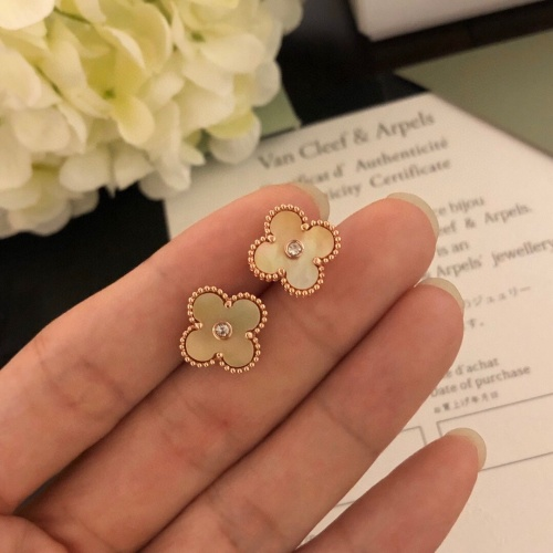 Van Cleef & Arpels Earrings #827215 $32.00 USD, Wholesale Replica Van Cleef & Arpels Earrings