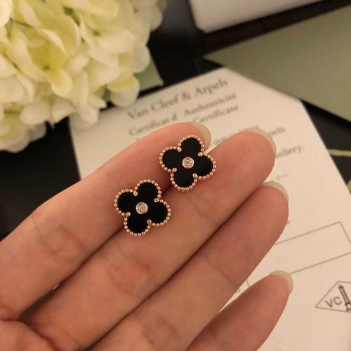 Van Cleef & Arpels Earrings #827217 $32.00 USD, Wholesale Replica Van Cleef & Arpels Earrings