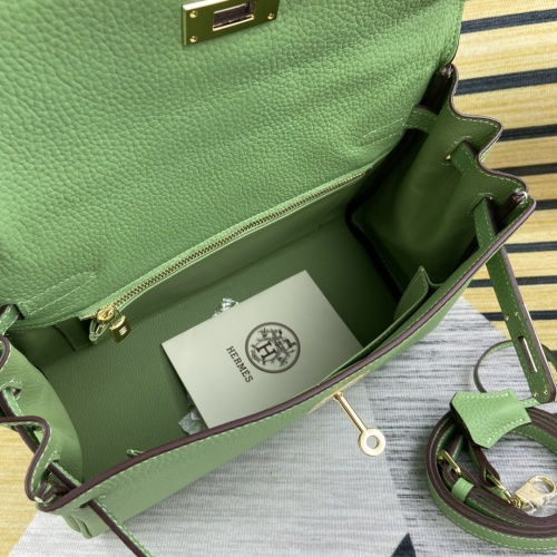 Replica Hermes AAA Quality Messenger Bags For Women #827581 $102.00 USD for Wholesale