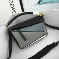 LOEWE AAA Messenger Bags For Women #824072