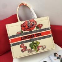 $76.00 USD Christian Dior AAA Handbags For Women #825798