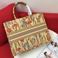 $76.00 USD Christian Dior AAA Handbags For Women #825800