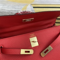 $102.00 USD Hermes AAA Quality Messenger Bags For Women #827582