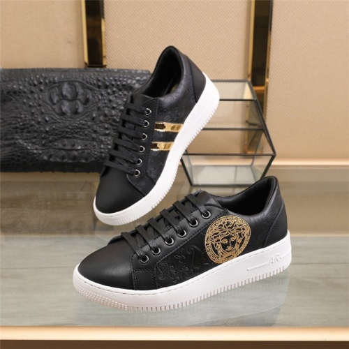 Versace Casual Shoes For Men #827725