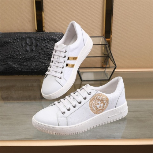 Versace Casual Shoes For Men #827726
