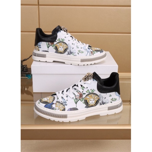 Versace Casual Shoes For Men #827780