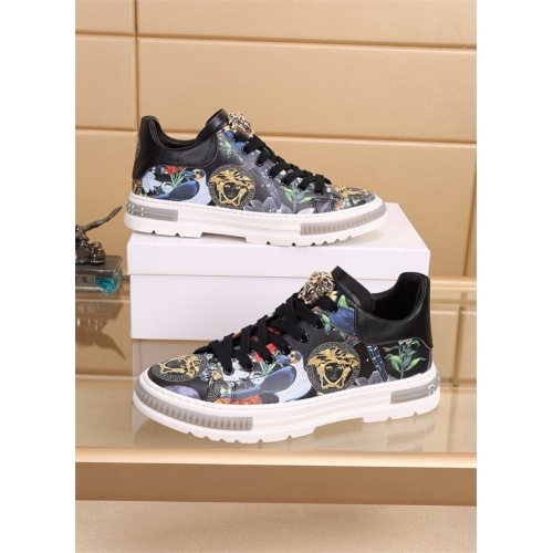 Versace Casual Shoes For Men #827781
