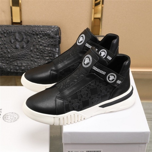 Replica Versace Casual Shoes For Men #828340 $82.00 USD for Wholesale