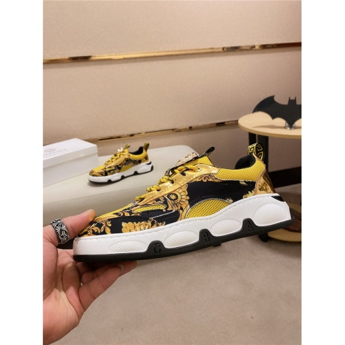 Versace Casual Shoes For Men #828514
