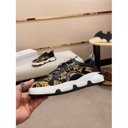 Versace Casual Shoes For Men #828515