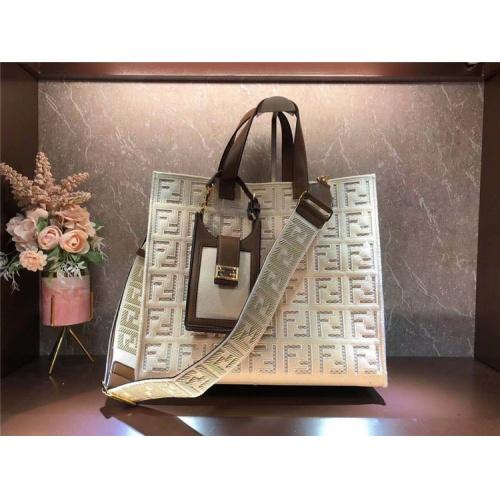 Fendi AAA Quality Tote-Handbags For Women #828551