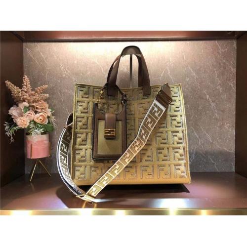 Fendi AAA Quality Tote-Handbags For Women #828555