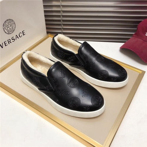 Versace Casual Shoes For Men #828576