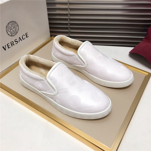 Versace Casual Shoes For Men #828577