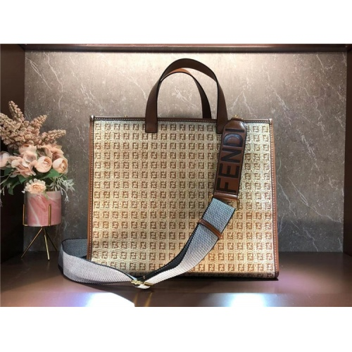 Fendi AAA Quality Tote-Handbags For Women #828660