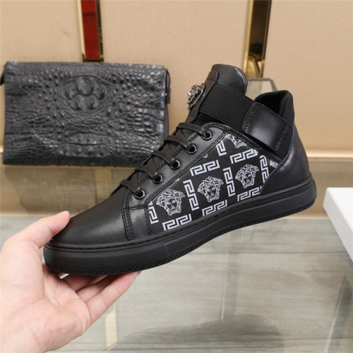 Replica Versace Casual Shoes For Men #828665 $85.00 USD for Wholesale