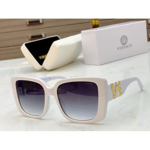 Versace AAA Quality Sunglasses #828724
