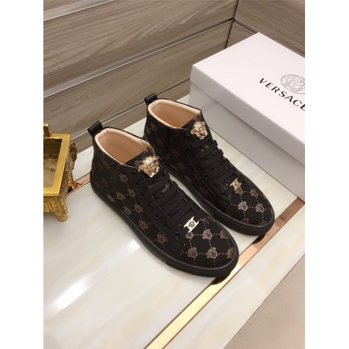 Versace High Tops Shoes For Men #829121