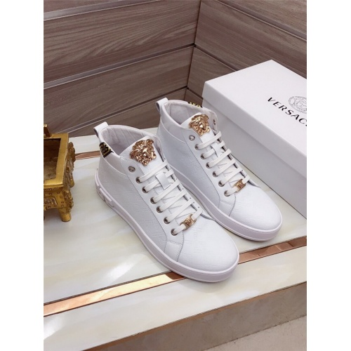 Versace High Tops Shoes For Men #829123