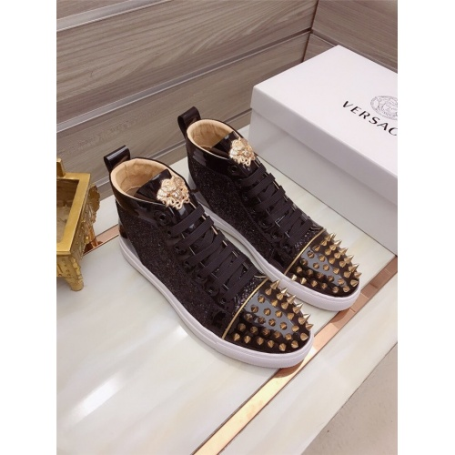 Versace High Tops Shoes For Men #829125
