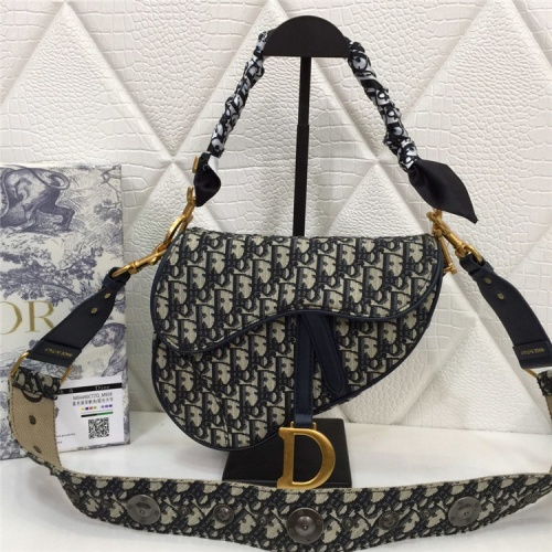 Christian Dior AAA Quality Messenger Bags For Women #829320