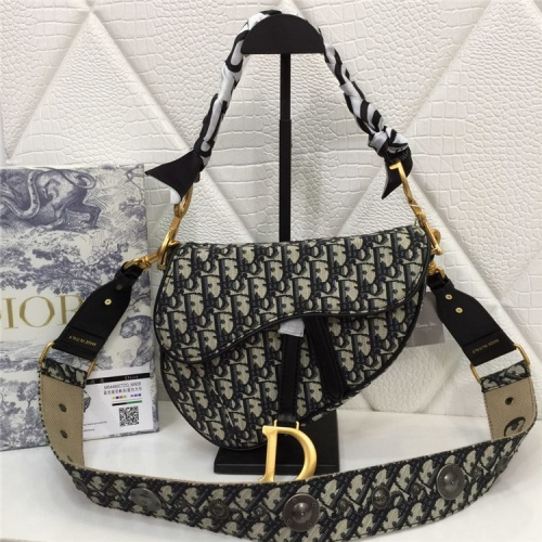 Christian Dior AAA Quality Messenger Bags For Women #829321