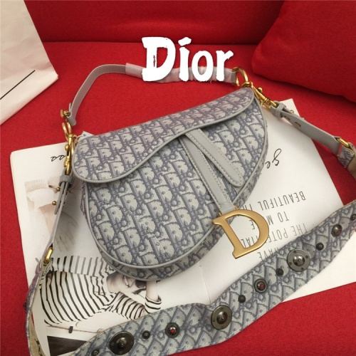 Christian Dior AAA Quality Messenger Bags For Women #829323