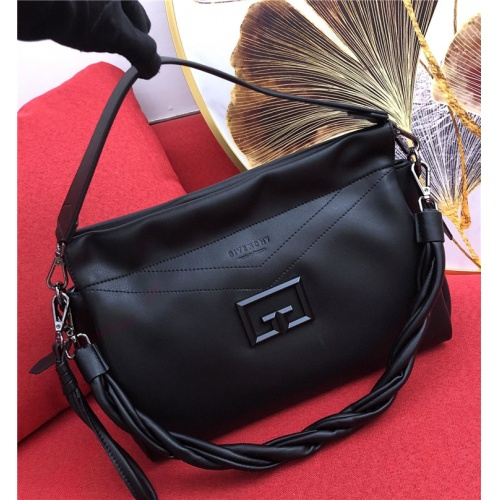 Givenchy AAA Quality Handbags For Women #829342