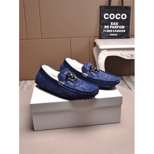 Versace Casual Shoes For Men #829438