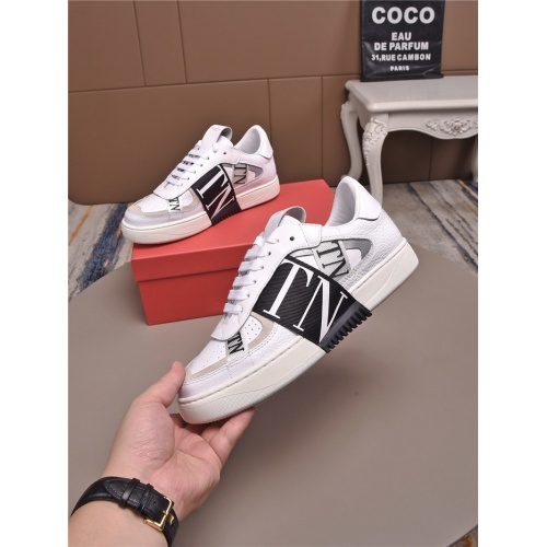 Valentino Casual Shoes For Men #829445