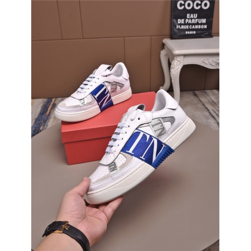 Valentino Casual Shoes For Men #829448