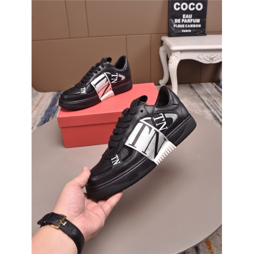 Valentino Casual Shoes For Men #829449