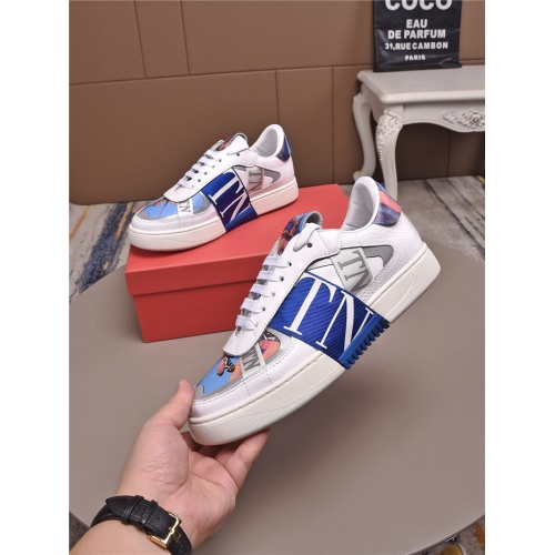 Valentino Casual Shoes For Men #829452