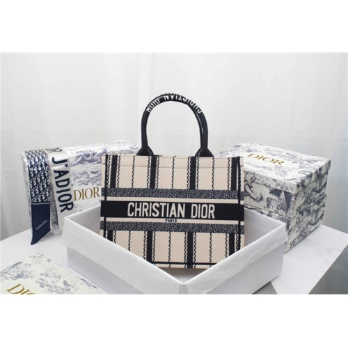 Christian Dior AAA Quality Tote-Handbags For Women #829499