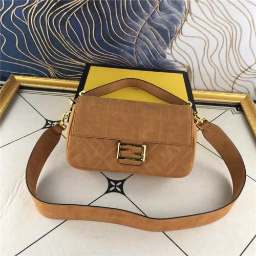 Fendi AAA Quality Messenger Bags For Women #829507