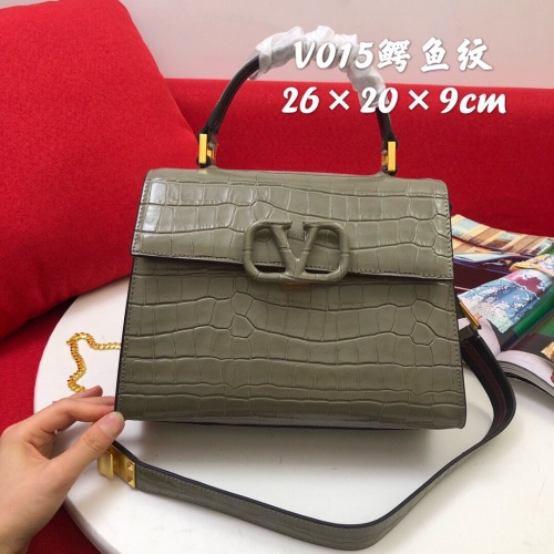 Valentino AAA Quality Messenger Bags For Women #829707