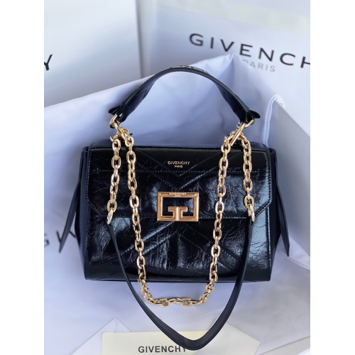 Givenchy AAA Quality Messenger Bags For Women #829742