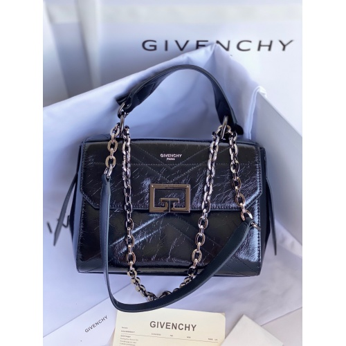 Givenchy AAA Quality Messenger Bags For Women #829743