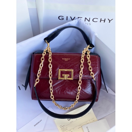 Givenchy AAA Quality Messenger Bags For Women #829744