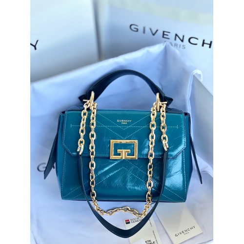 Givenchy AAA Quality Messenger Bags For Women #829748