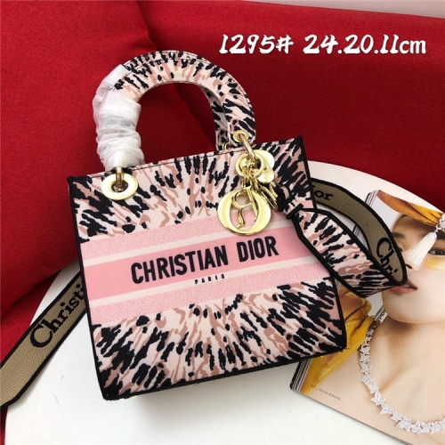 Replica Christian Dior AAA Quality Handbags For Women #829795 $96.00 USD for Wholesale