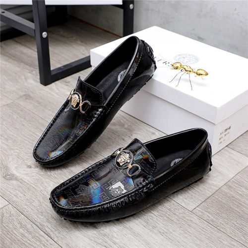 Versace Casual Shoes For Men #829854