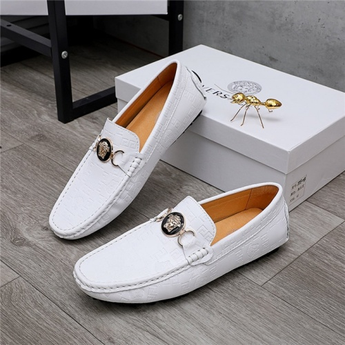 Versace Casual Shoes For Men #829855