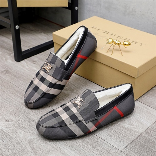 Burberry Casual Shoes For Men #829861