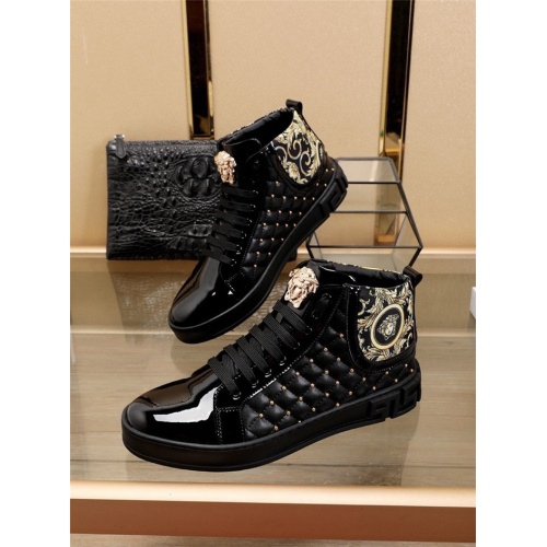 Versace High Tops Shoes For Men #829921