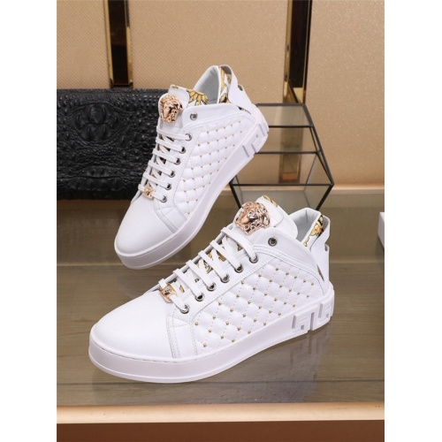 Versace Casual Shoes For Men #829924